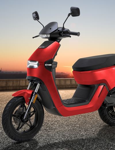 Elektro-Motorroller AsVIVA EM2 Black im Retro Design