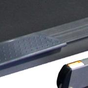 Seitentrittflächen für ein eonfachereren Einstig des Laufbandes.