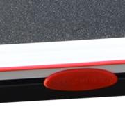 Seitentrittflächen für einen einfachen Einstieg des Laufbandes.