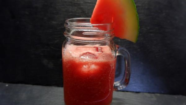 wassermelonen-smoothie-fitnessrezept