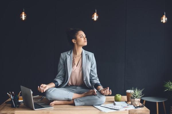 Meditation als Ausgleich zum Bewegungsmangel