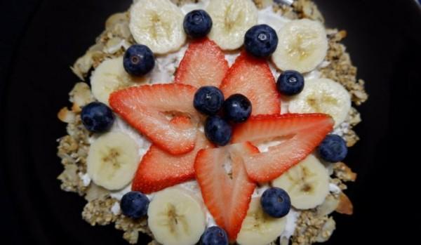 fruehstueckspizza-magerquark-fruechte-fitness-rezept