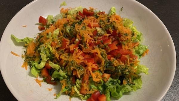 Gemischter-Salat-Kraeuterdressing
