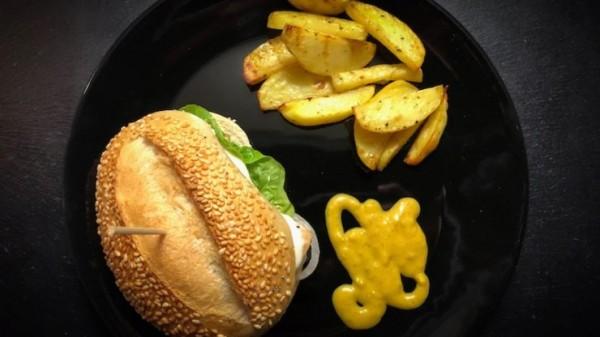 haehnchen-mozzarella-burger-kartoffelspalten