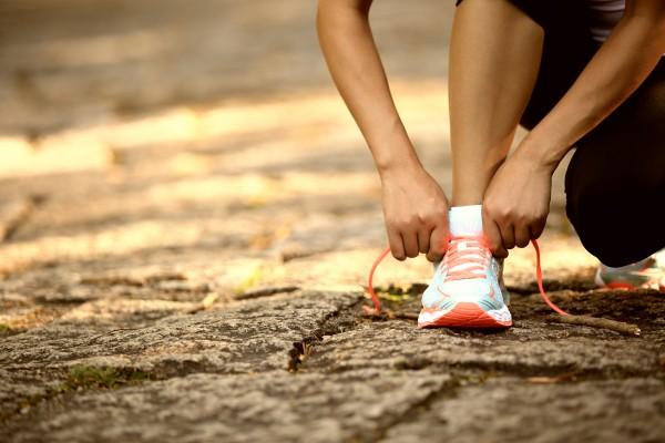 Laufschuhe als richtige Vorbereitung auf Sport