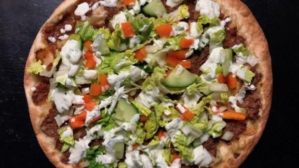fitness-rezept-tuerkische-pizza-mit-tzatziki