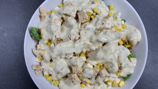 H-hnchen-Mais-Salat-mit-Curry-Dressing